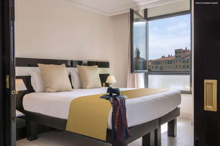 De la Suite Junio de l'hôtel Aston La Scala, une belle vue sur le vieux Nice.