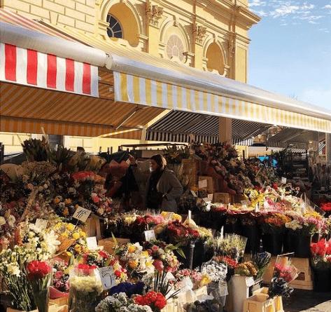 Profitez de votre passage à l'hôtel Aston La Scala pour découvrir les commerces de la ville.