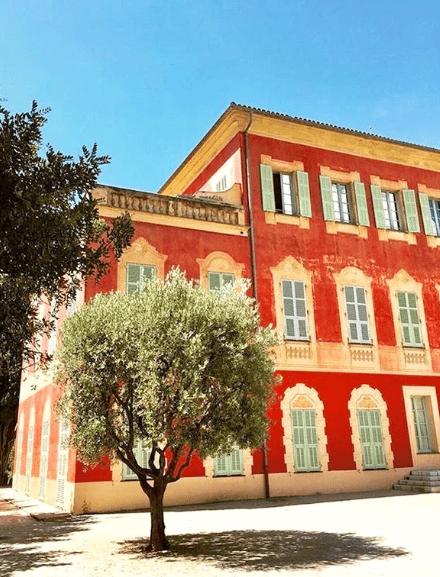 Profitez de votre passage à l'hôtel Aston La Scala pour découvrir les trésors de la ville.
