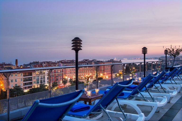 Du toit-terrasse de l'hôtel Aston La Scala, une vue merveilleuse sur la ville.