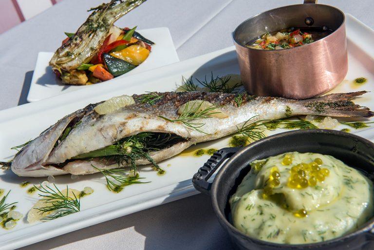 Au restaurant L'Horloge de l'hôtel Aston La Scala, des recettes créatives et gourmandes.