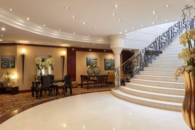 Escalier de l'hôtel Aston La Scala